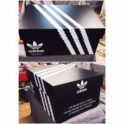 boite de chaussure adidas